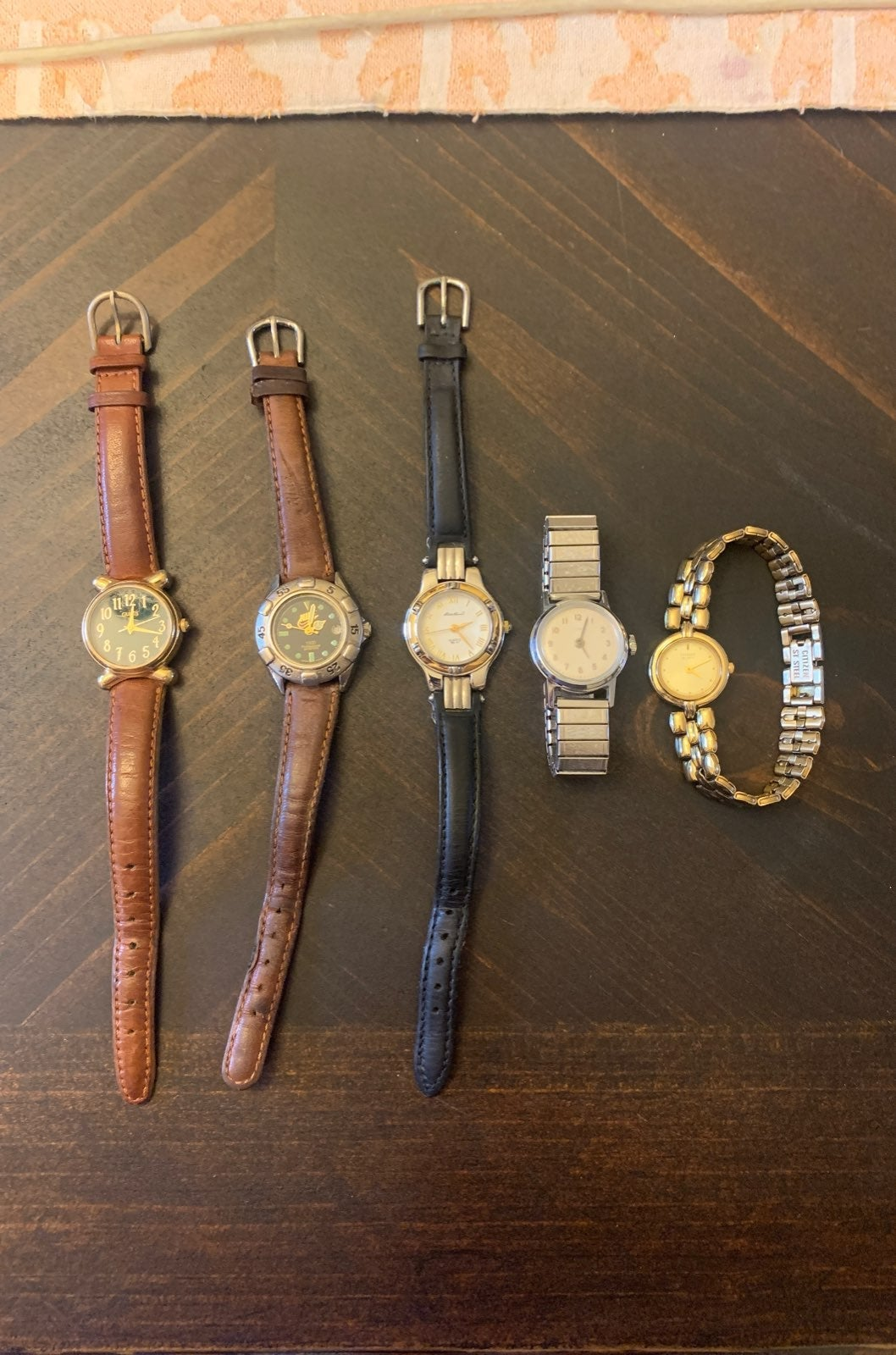Ladies retro watch bundle