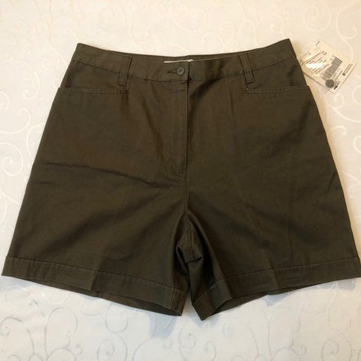 NWT Women's Crossroads Shorts Size 10