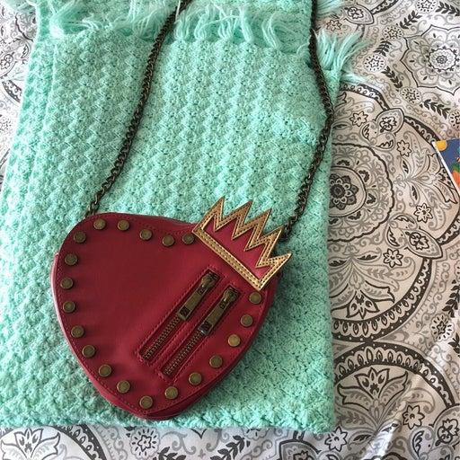 Descendants heart purse