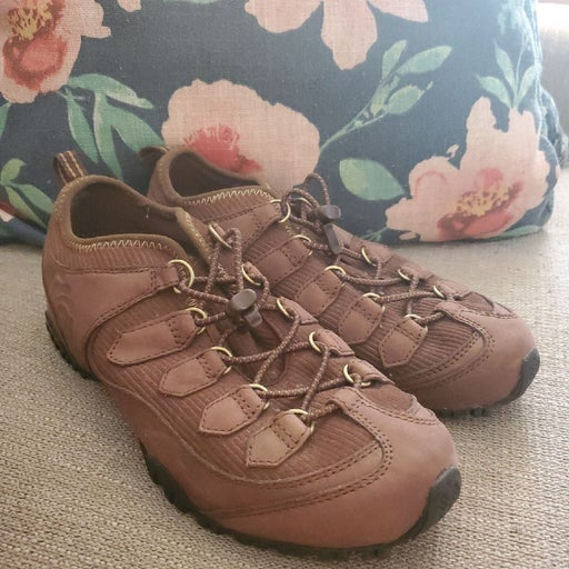 Columbia Brown Boots Size 8