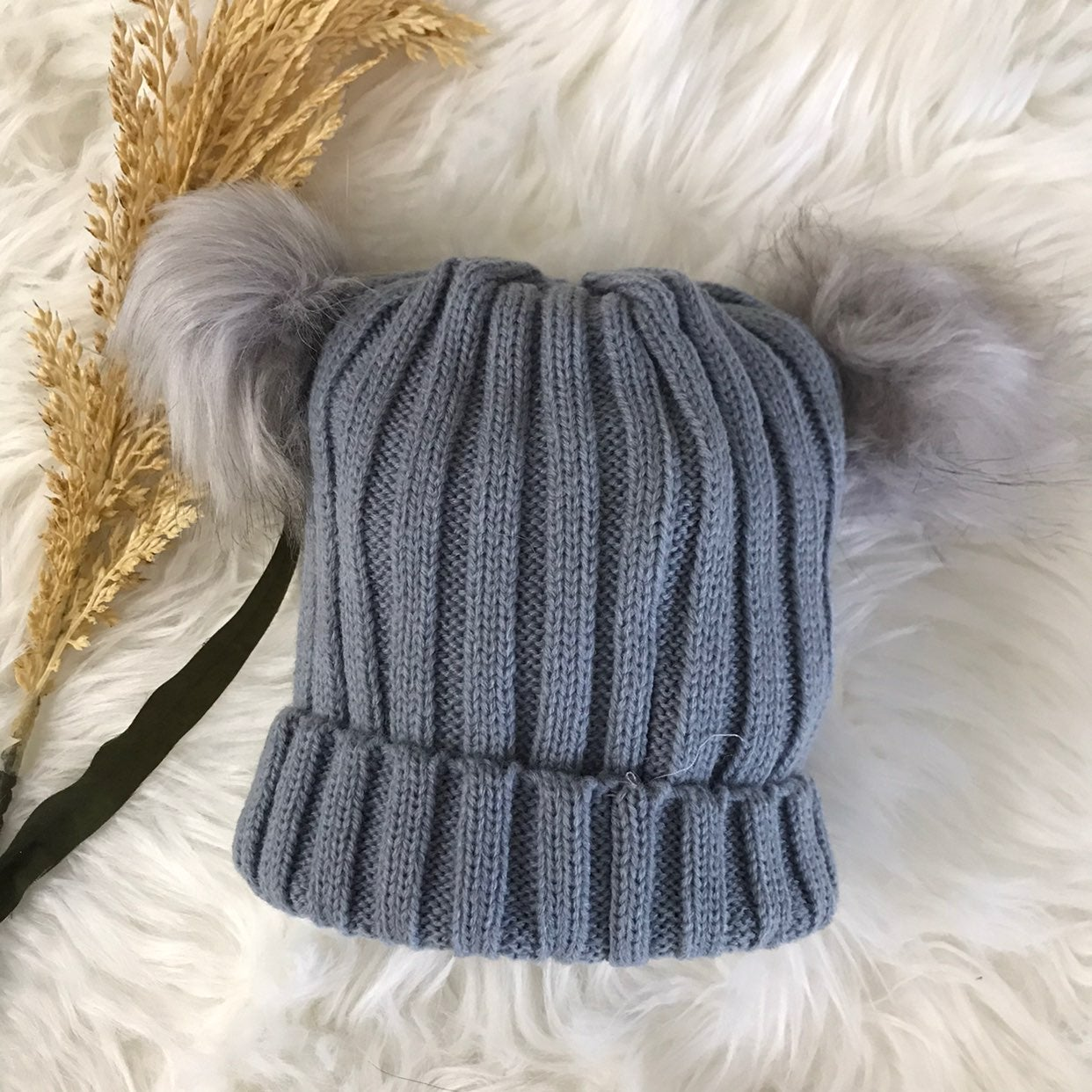 Grey baby unisex knitted beanie with pom
