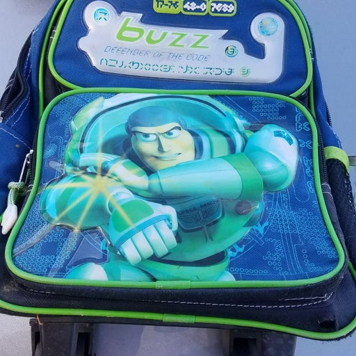 Buzz kids rolling backpack