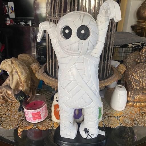 Carl the Mummy