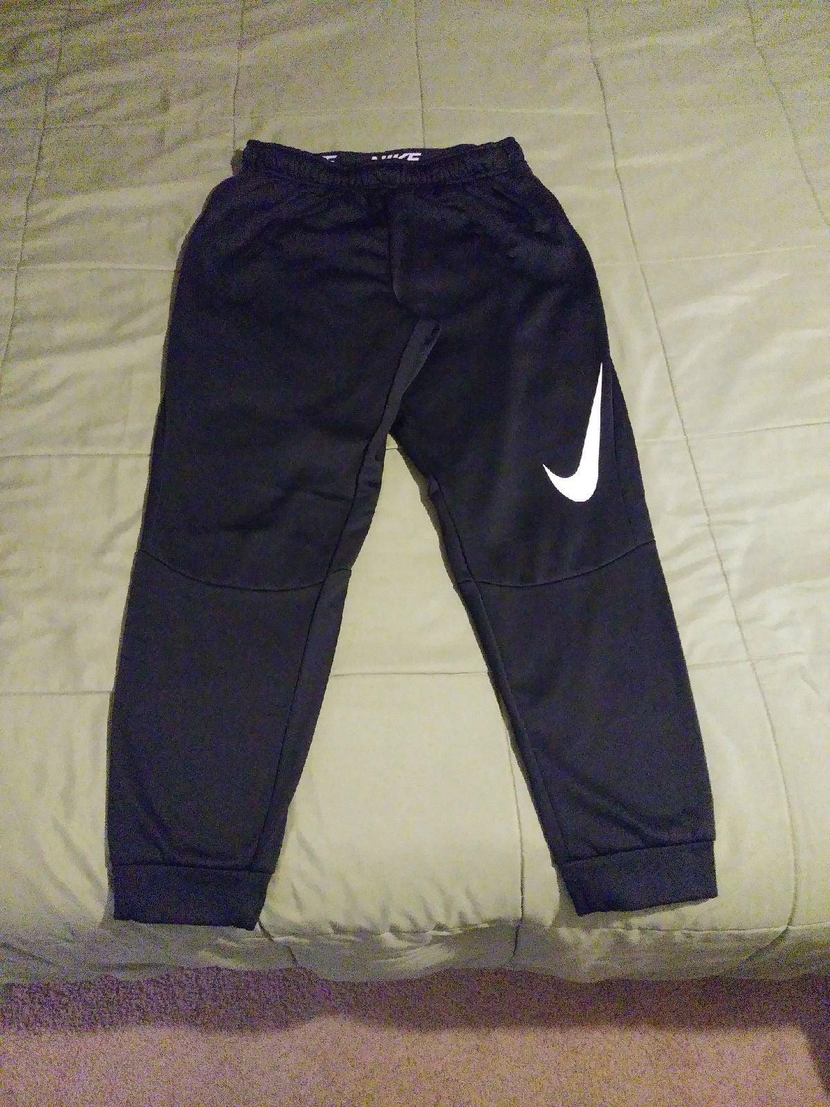 Nike sweatpants / nike joggers