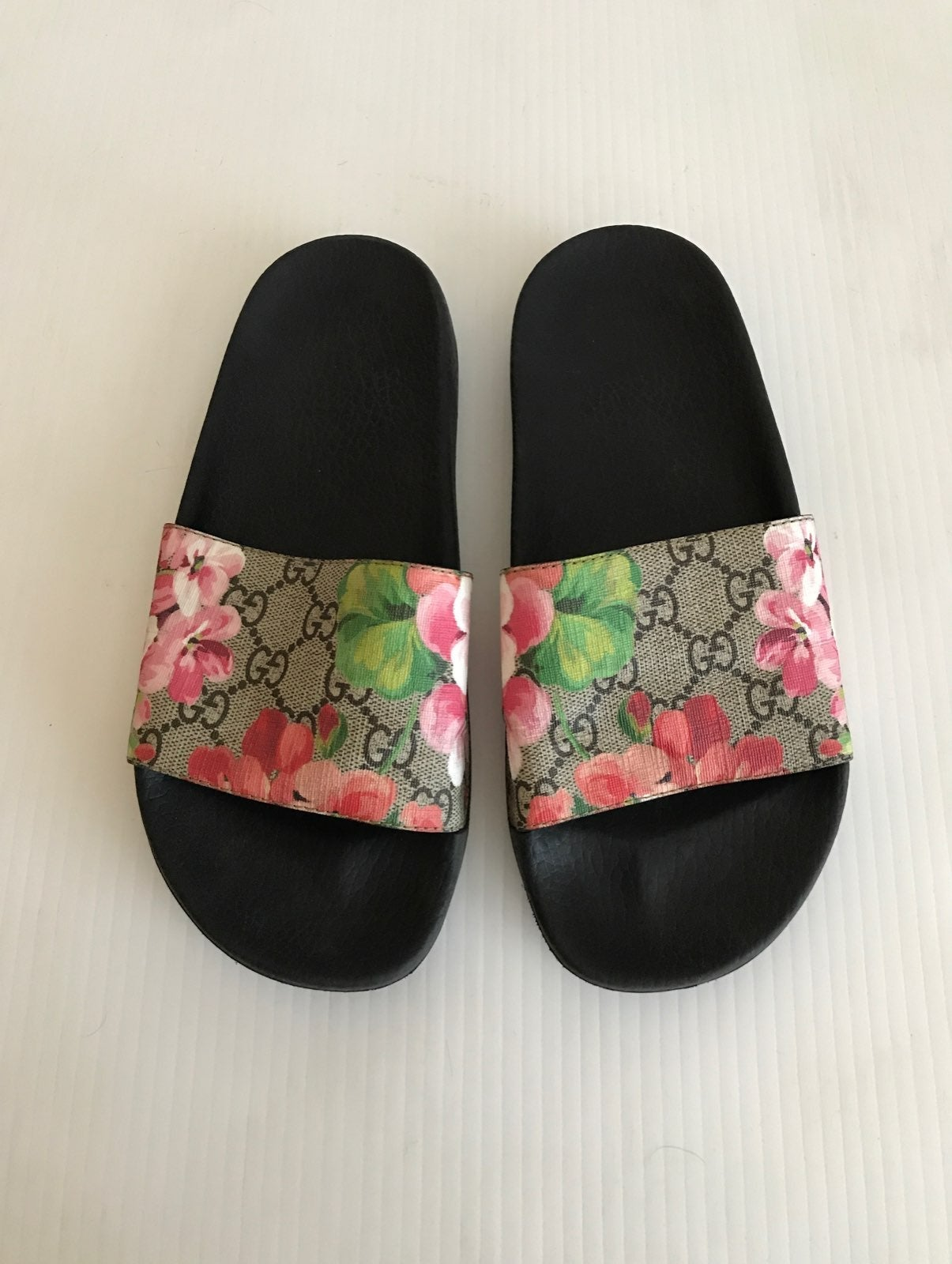 Gucci GG Bloom Pursuit Slide Sandal 37