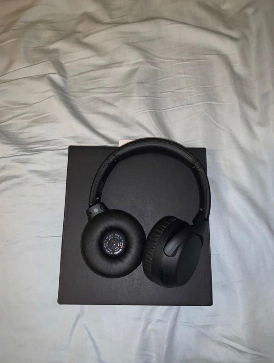 Sony Headphones WH-XB700