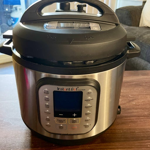 Instant Pot Duo Nova 6 quart pressure cooker