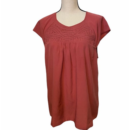 Soft Surrounding coral sleeveless L blouse.
