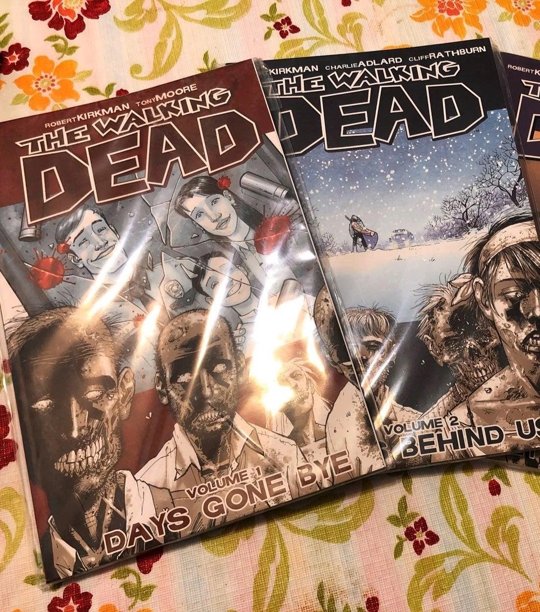 The Walking Dead volumes 1-2