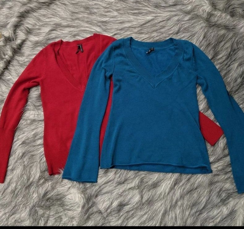 Lot of 2 Takeout sweaters, sz M