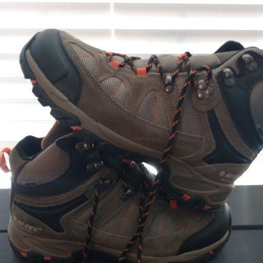 Hi-tec men's boots size 9.5