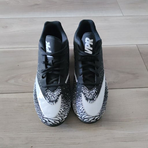 Nike cleats athletic shoes for men
