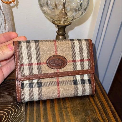 Vintage burberry wallet