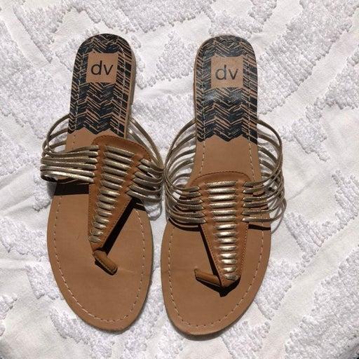DV by Dulce Vita flip flop sandals