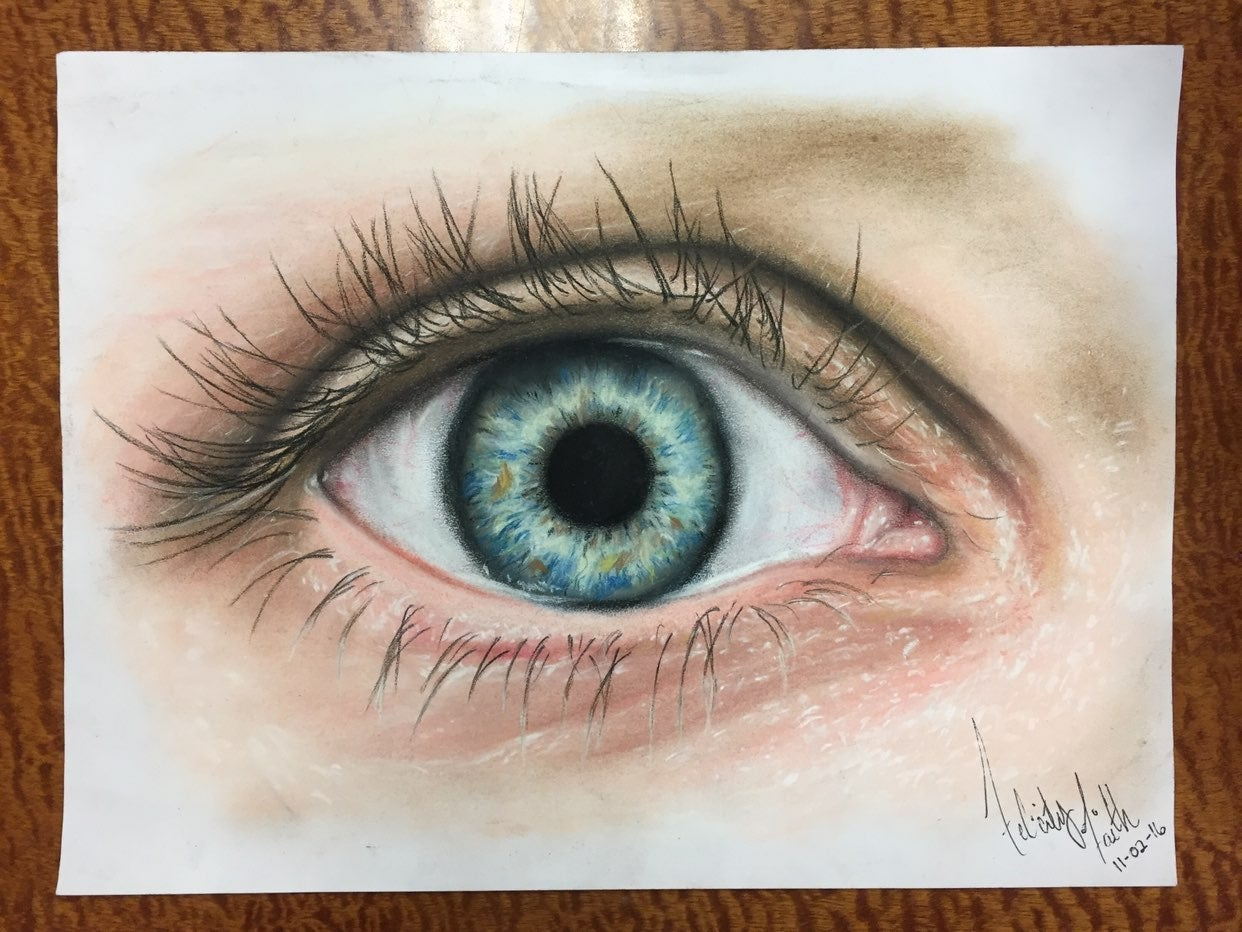 HYPER REALISM EYE/ made with soft pastel