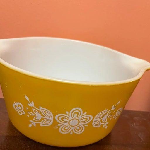 Pyrex Vintage 1qt Butterfly Pattern Bowl