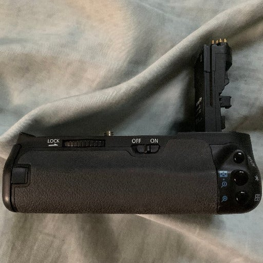 Battery Power Grip for Canon EOS 60D Digital SLR Cameras