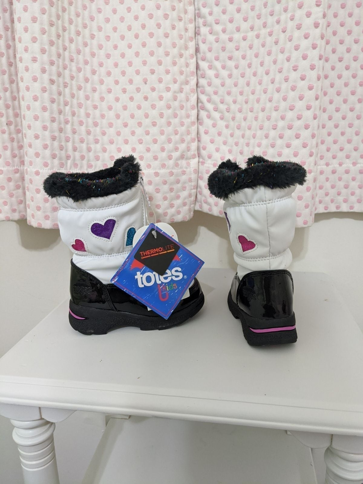 Tote waterproof snow boots, size 6