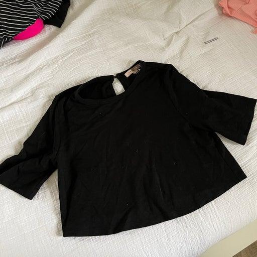 Black crop top XL
