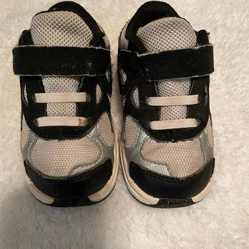 Toddler boy Nike shoes size 7