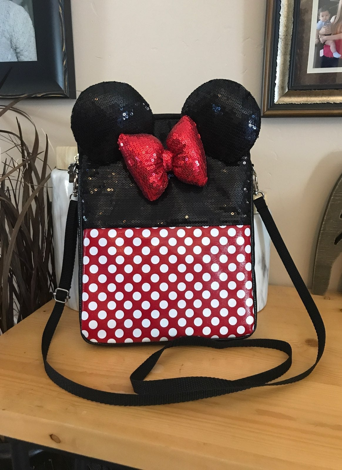 Minnie Mouse Purse/tablet Holder