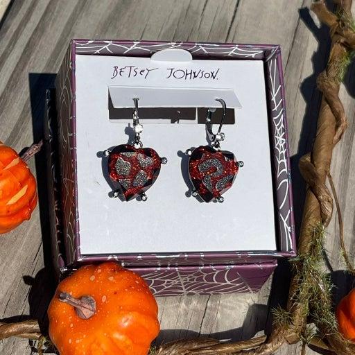 Betsey Johnson  heart dangle earrings new vanpire