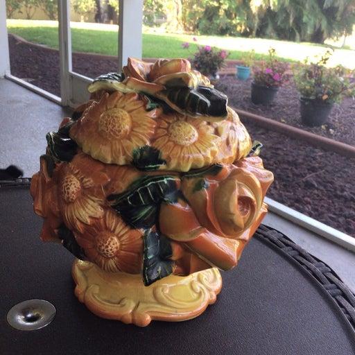 3d raised flower ginger jar or tea