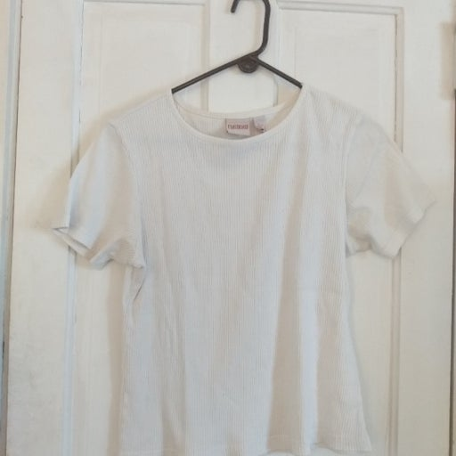 Ribbed White T Shirt by Crossroads - M