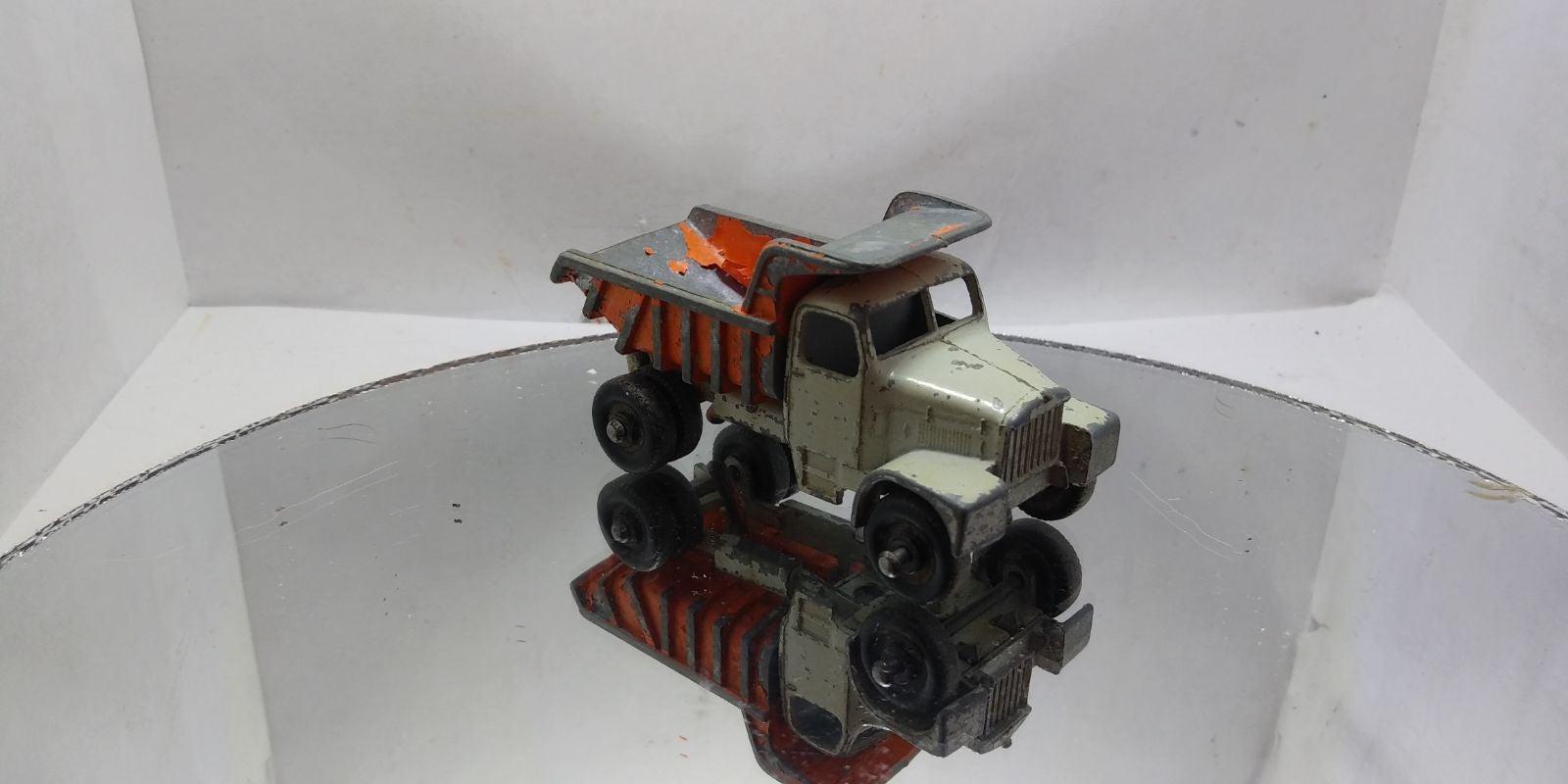 Matchbox lesney dump truck