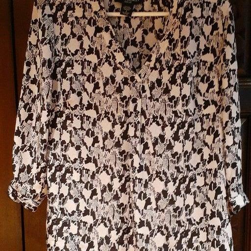 S Cynthia Rowley 100% silk shirt small