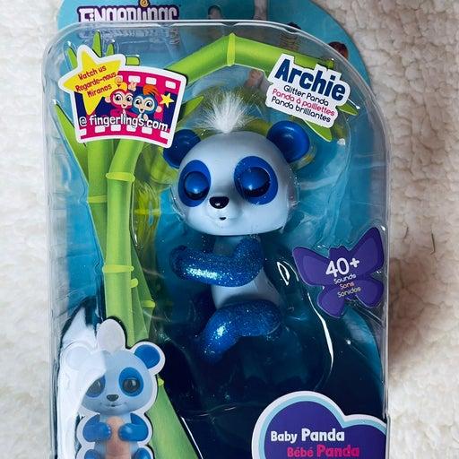 Fingerlings - Baby glitter Panda Archie