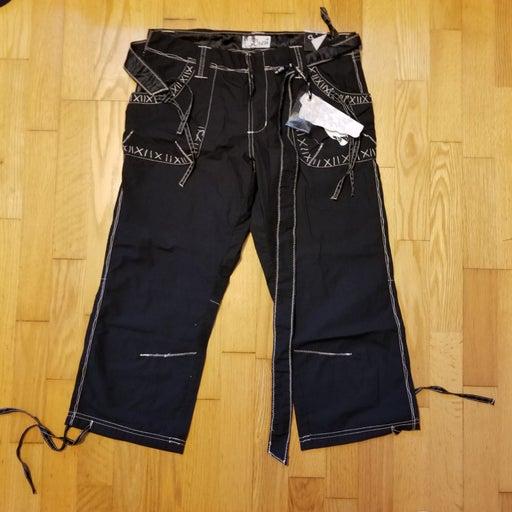 Crest Zombie Stitch Contrast Capri Pants