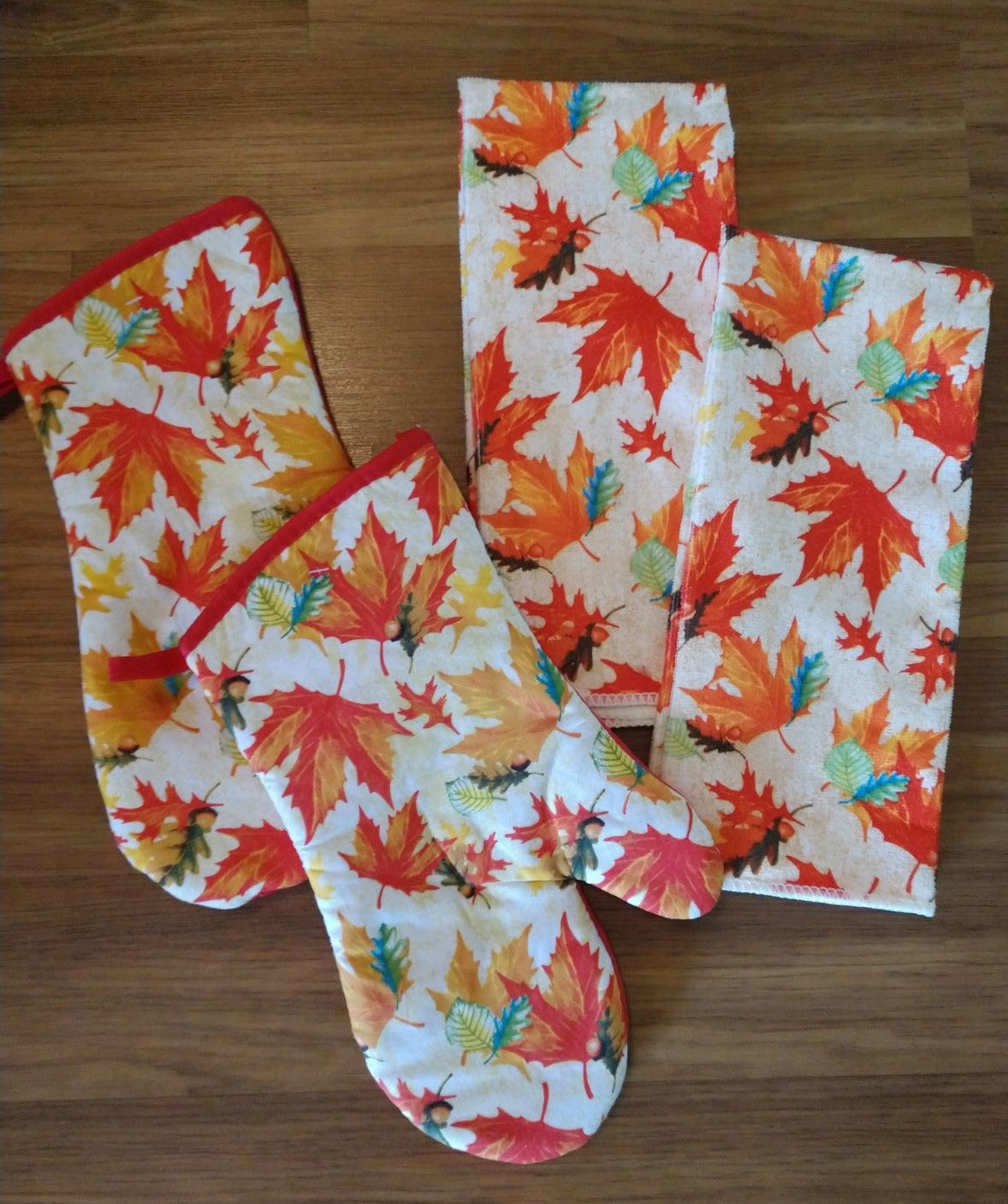 Falling Leaves Kitchen Towel Set/4