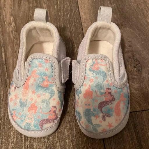 Vans tennis shoes baby