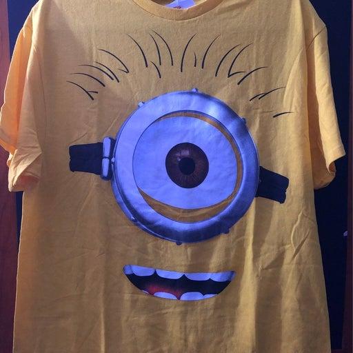 Minion shirt adult size large