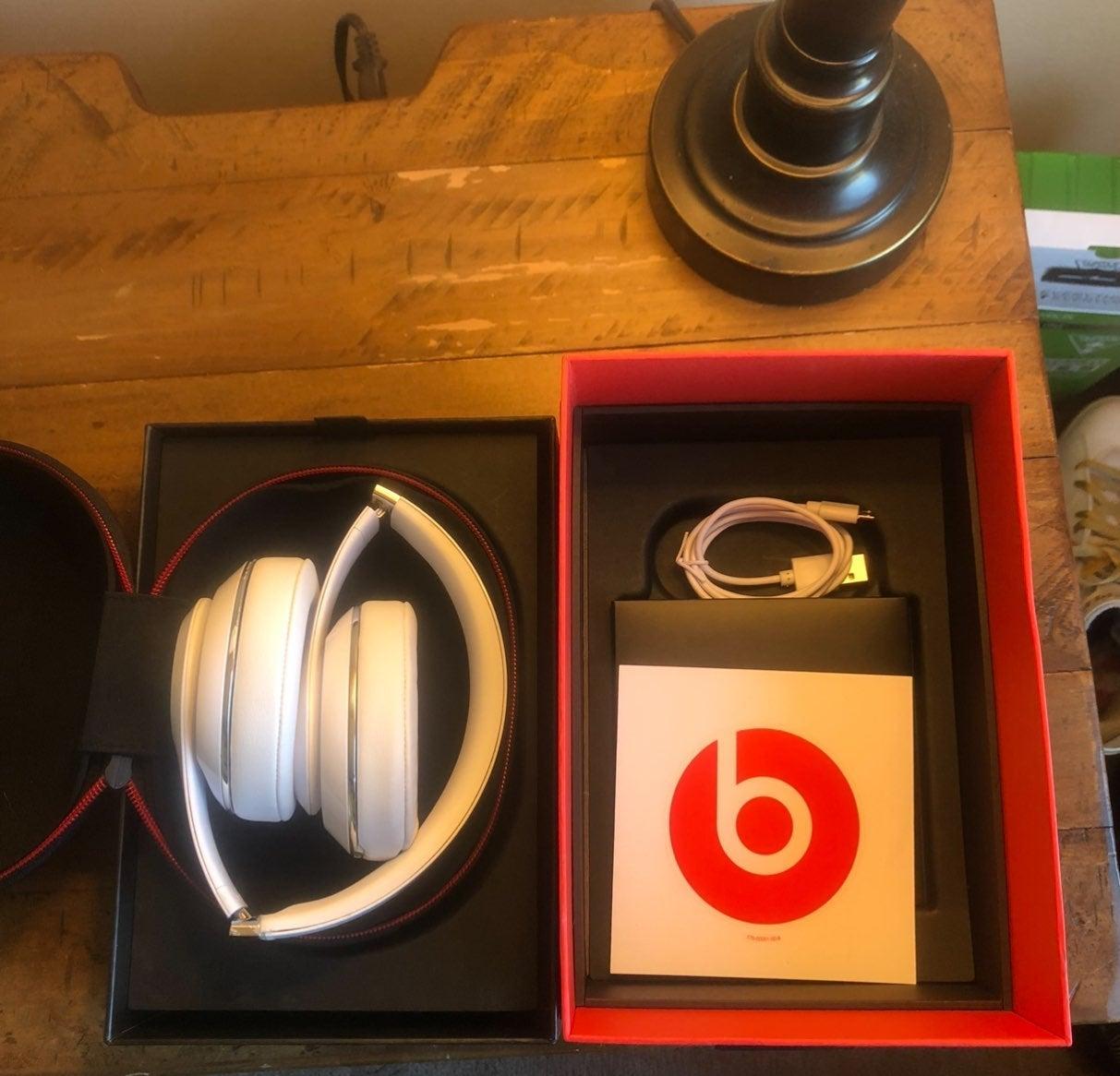 Beats by Dr. Dre Beats Studio³ Wireless