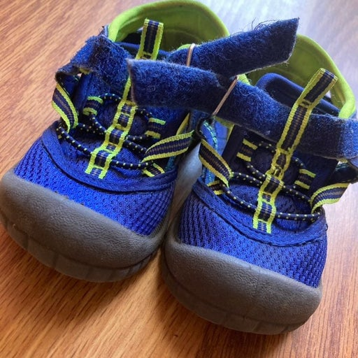 Toddler (S:6) OshKosh B'gosh Tennis Shoes