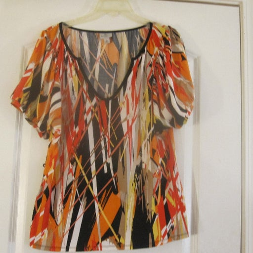 Worthington Stretch Multi-color Abstract Pattern Top. Batwing Sleeves Size M.