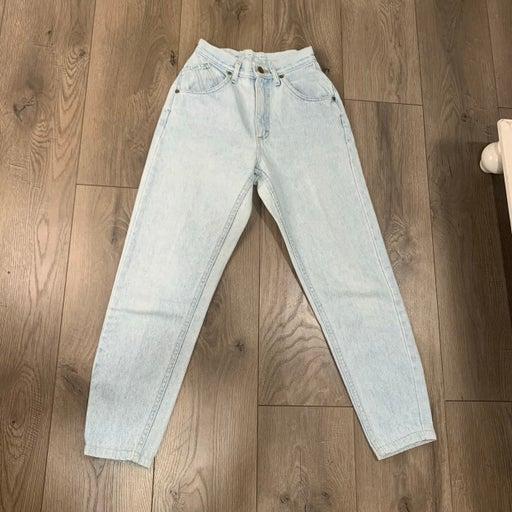 Vintage Lee High rise mom jeans size 3