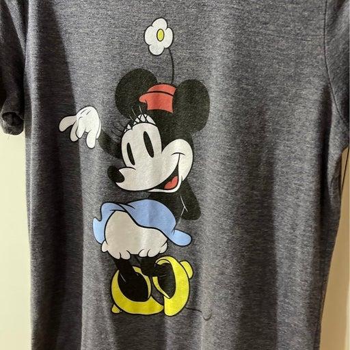 Minnie Mouse tshirt medium
