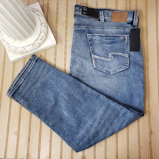 NWT Silver 46x32 Grayson Easy Fit Jeans