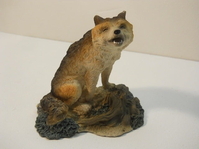 Vtg Wolf Howling Collectible Figurine