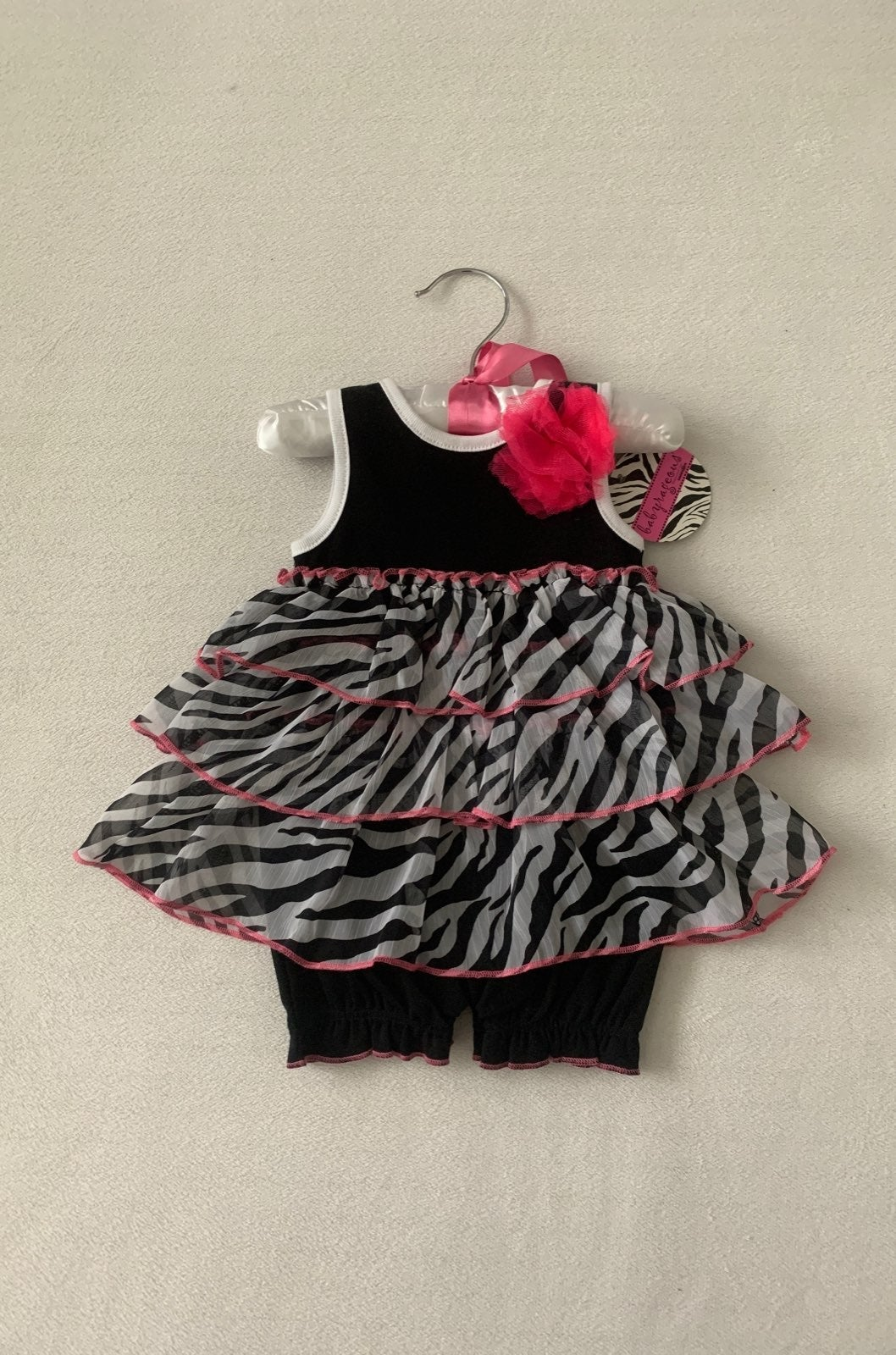 Babyrageous 1PC Outfit, Size: 6 Months
