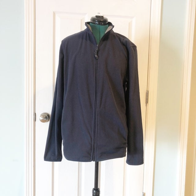Bass navy blue fleece jacket small EUC