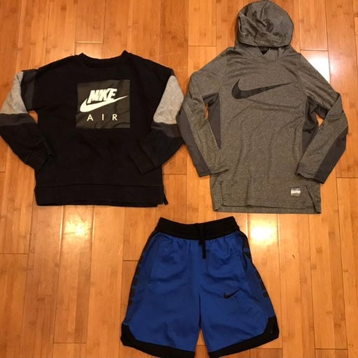 Kids Nike sweaters and shorts size S