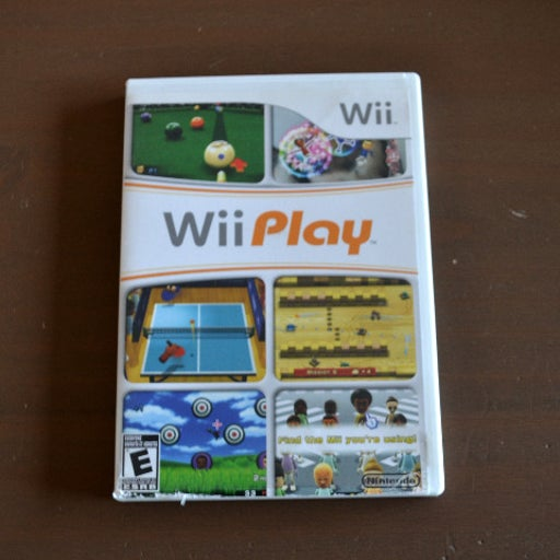 Wii Play Game in Case w/Instructions
