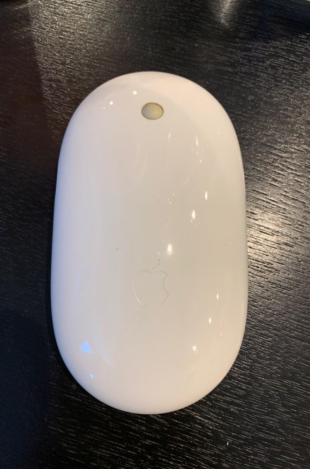 Apple wireless mouse model A1197