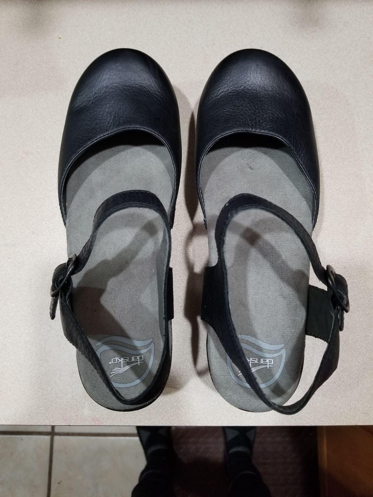 New Dansko Sam shoes size 40