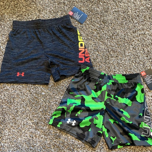 Toddler Boys Under Armour shorts 2T