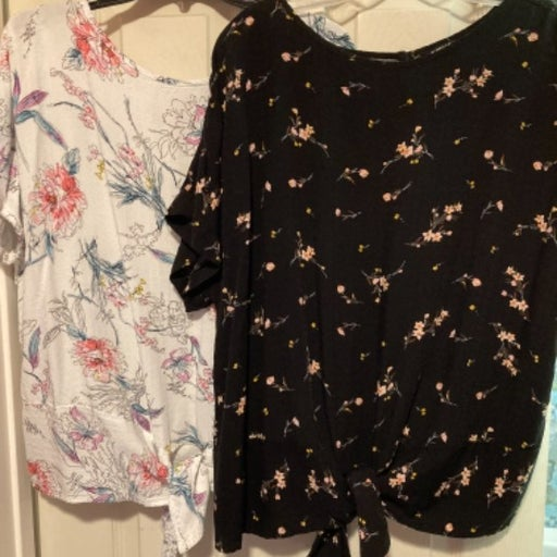 Lot Of 2 Buffalo XL Woman Tie Front Tops